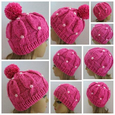 Pippi - The Buttons and Pompom Hat