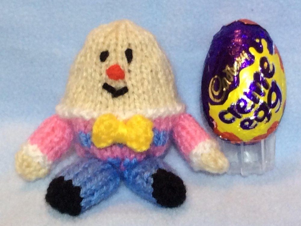 Humpty Dumpty Creme Egg Easter Cover Knitting Pattern By