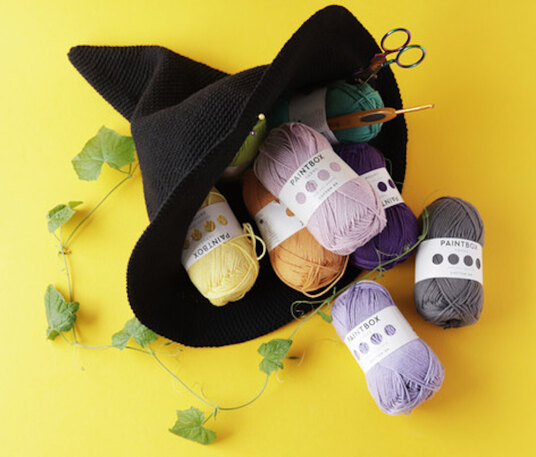 witches hat and yarn