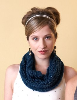 Cowl in Patons Lace Sequin