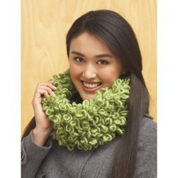Loopy Cowl in Bernat Roving