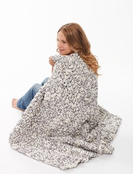 Finger Crochet Blanket in Bernat Blanket