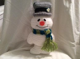 Freezy the Snowman Crochet Pattern