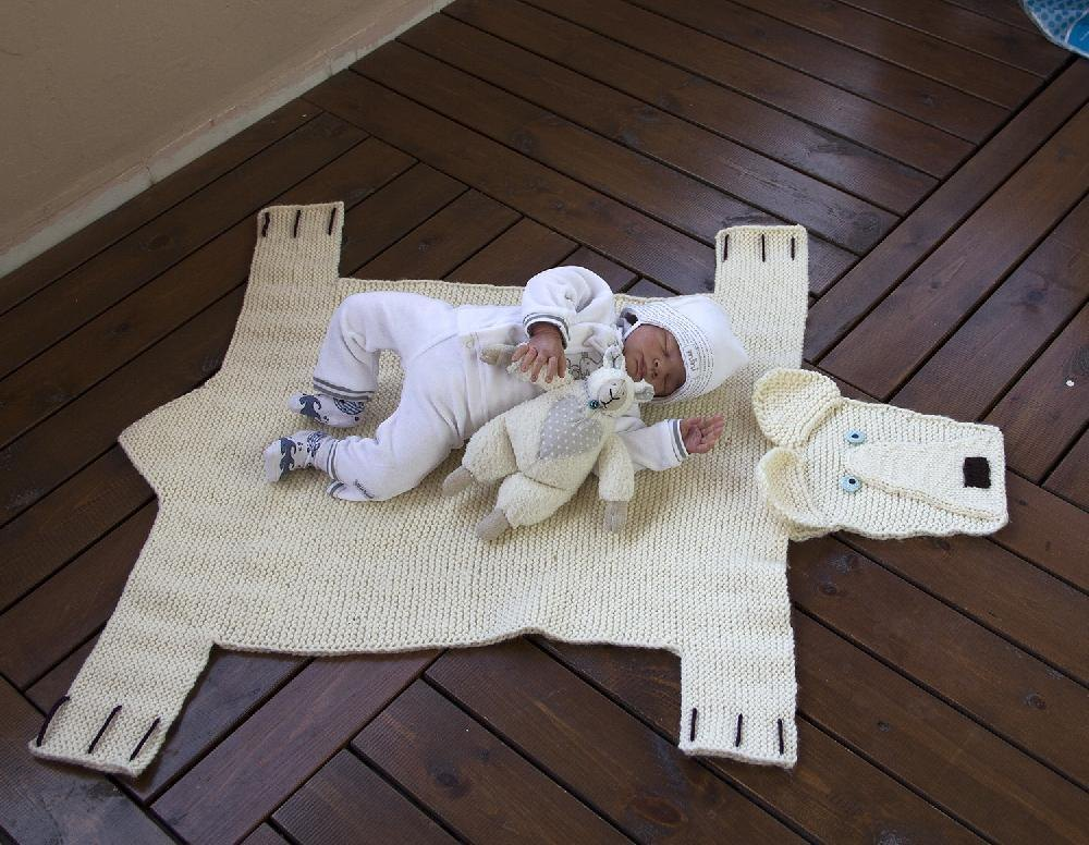 Polar Bear Rug Knitting Pattern : Polar bear rug number knitting pattern by denizastoysjoys