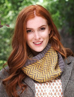 Chevron Cowl in Patons Classic Wool Roving