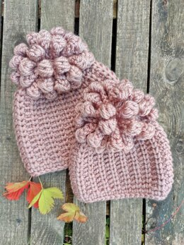 Lollypop Trail beanie hat with pom pom