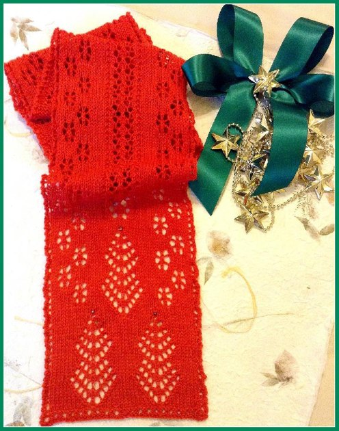 Christmas Trees and Snowflakes Knit Lace Scarf Knitting pattern by Michael Ha...