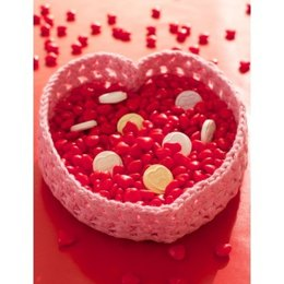 Heart Valentine Candy Basket in Lily Sugar 'n Cream Solids