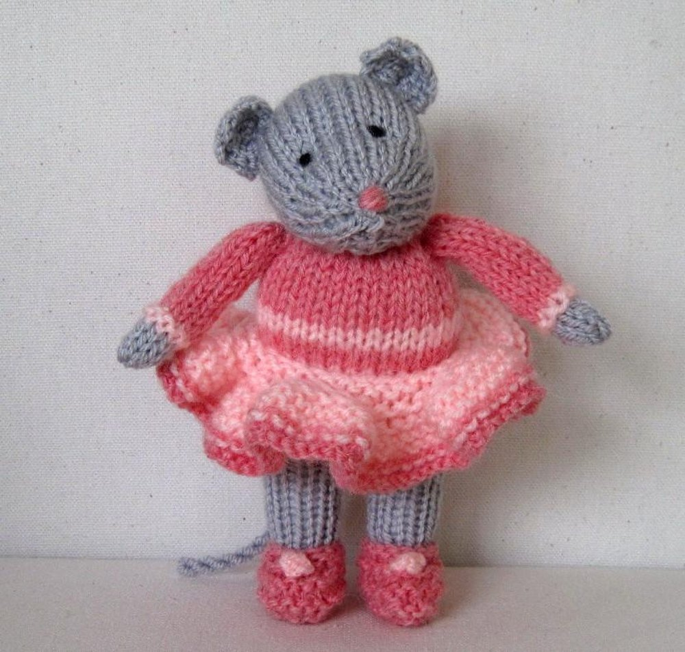 Knitting Pattern For Mouse Free : Darcy the Dancing Mouse Knitting pattern by Dollytime