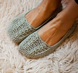 Ladies Cable Slippers