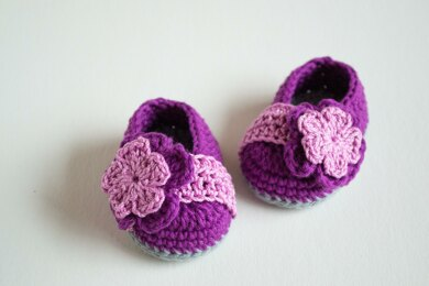Berry Crochet Baby Booties