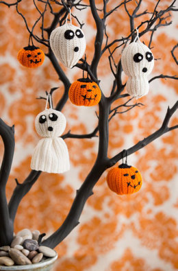Halloween Tree of Spookiness in Aunt Lydia's Classic Crochet Thread Size 10 Solids - LC4914 - Downloadable PDF