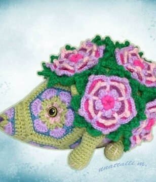 How to crochet a flower | LoveCrafts, LoveKnitting's New Home