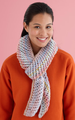 Diagonal Lacy Scarf in Lion Brand Amazing - L20140