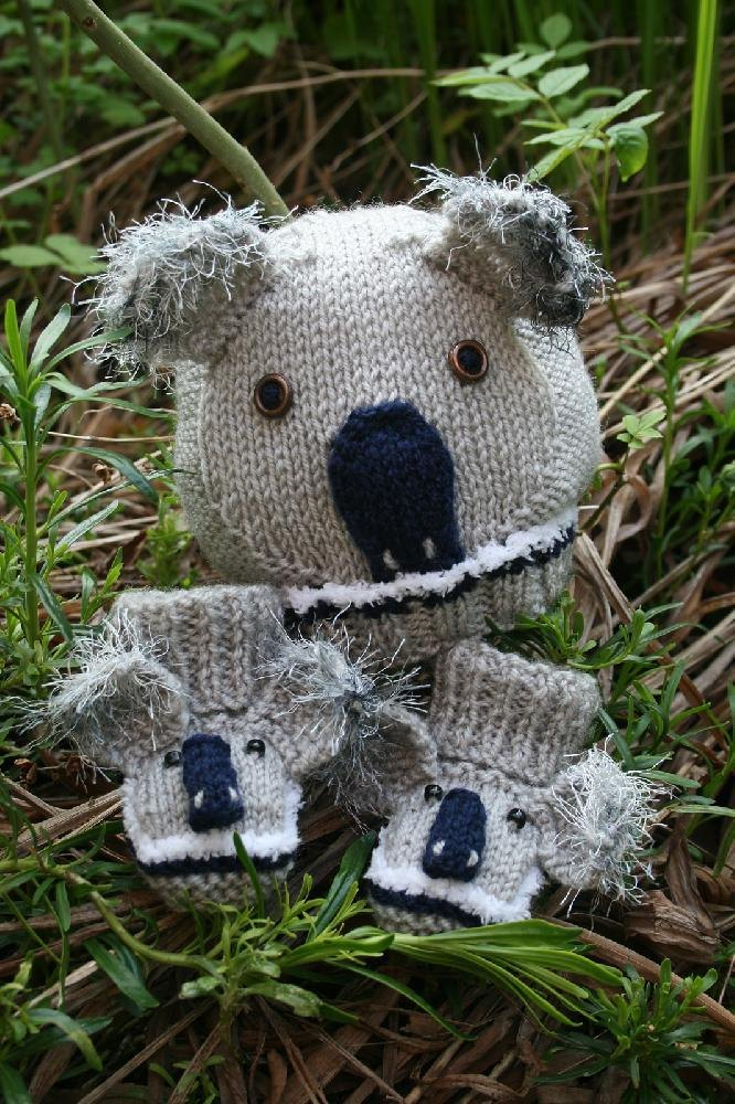 Koala Bear Baby Hat and Booties Knitting pattern by Sleake ...
