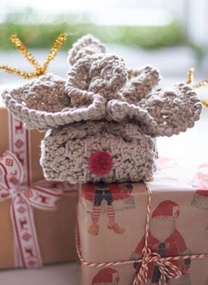 Rudolph S Soap Cozy In Lily Sugar And Cream Solids
