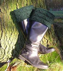 Wavy Cable Boot Toppers in Manos del Uruguay Clasica Wool Semi-Solid