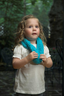 Kid's Cowl in Plymouth Yarn Adore - F435 - Downloadable PDF