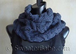 #103 Luscious Cabled Cowl