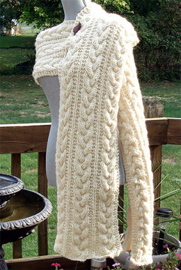 """""""Cabled Scarf"""" - Scarf Knitting Pattern For Women in Debbie Bliss Rialto Chunky"""