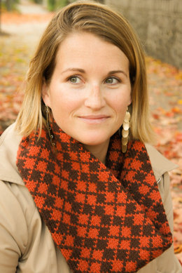 Argyle Cowl in Imperial Yarn Erin - F01 (Downloadable PDF)