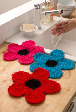 Fancy Flower Scrubber in Red Heart Scrubby - LW4785 - Downloadable PDF