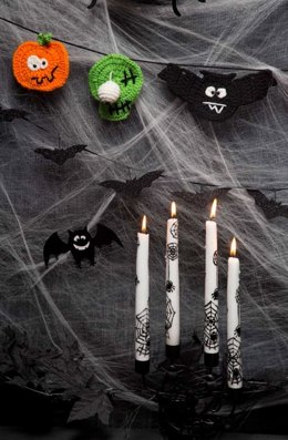 Halloween Party Banner in Red Heart Super Saver Economy Solids - LW3263
