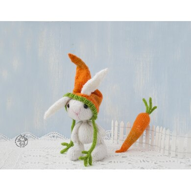 Knitted flat Easter Bunny and carrot