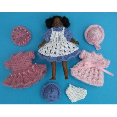 HMC18 Dresses for a girl doll of 4 inches tall in the dolls house