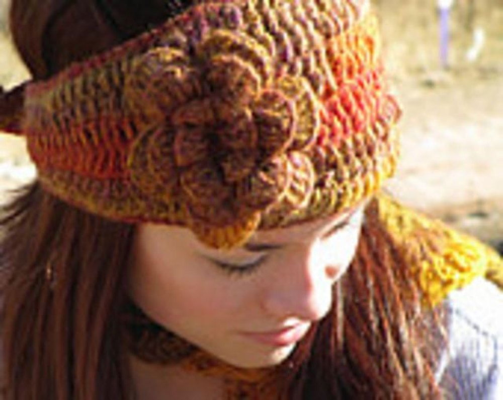 Floral earwarmer headband crochet pattern by joy grise for Chenille grise