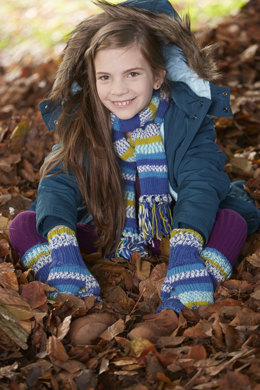 Scarf with Fringe in Schachenmayr Merino Extrafine 120 - S9055 - Downloadable PDF