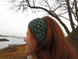 Cabled Headband with Saxon Braid