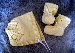 Little Darling Bonnet & Booties Set