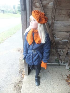 Child's Textured Scarf, Beret and Gloves