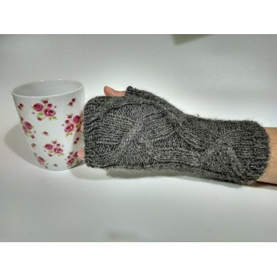 Wandering Cable Mitts