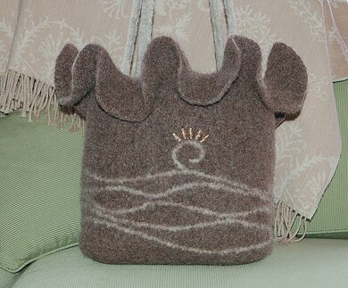 Felted Ruffle Bag to Crochet