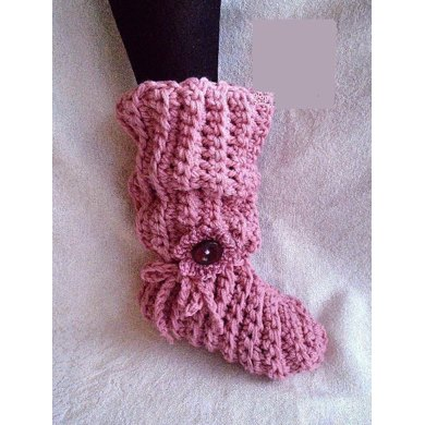 PINK CROCHET SLOUCHY SLIPPERS