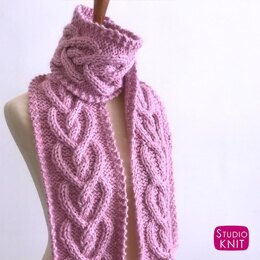 Heart Cable Knit Scarf