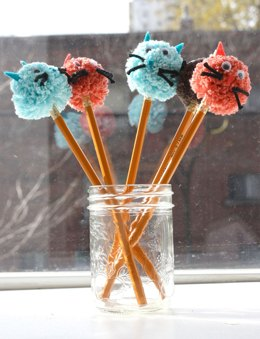 Kitty Cat Pompom Pencil Topper in Lily Sugar 'n Cream Solids