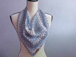 Picots and Valleys Cowl