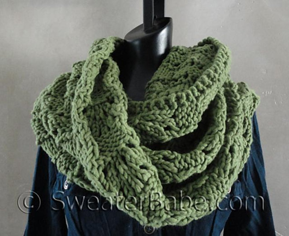 #127 Soft and Chunky Infinity Scarf Knitting pattern by ...