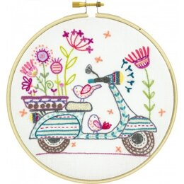 Un Chat Dans L'Aiguille Scooter Ride Embroidery Kit