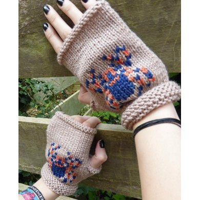 Spooky Spider Fingerless Mitts for Halloween