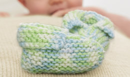 Simply Booties in Caron Simply Baby - Downloadable PDF