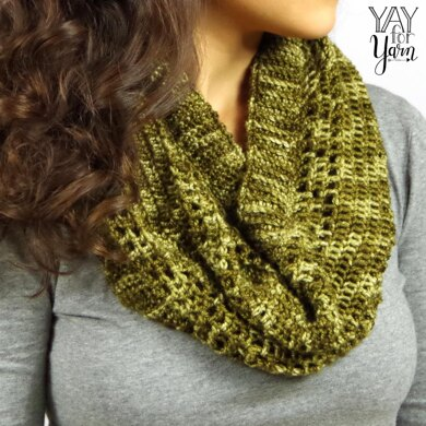 Dots & Dashes Cowl