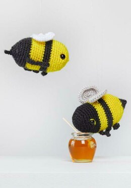 Henry & Honey Bumblebee in Red Heart Amigurumi - LM6290 - Downloadable PDF