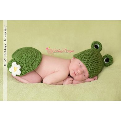 Frog Baby and Lily Pad Tushy Cover