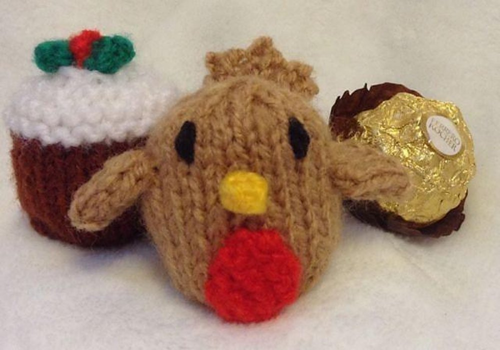 Christmas Pudding And Robin Ferrero Choc Cover Knitting Pattern By