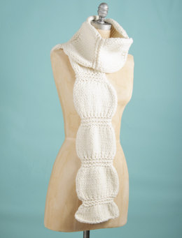 Scrunch Scarf in Spud & Chloe Outer