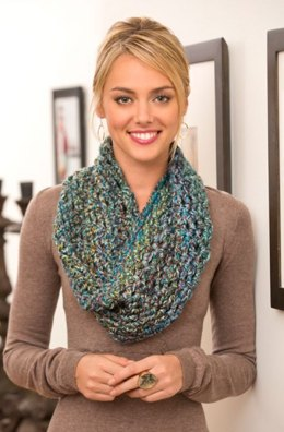 Twisted Cowl in Red Heart Medley - LW3861